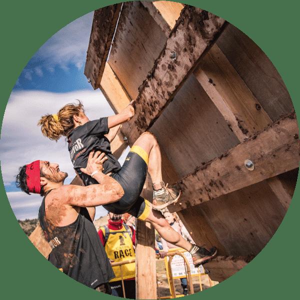 obstaculos survivor race muro
